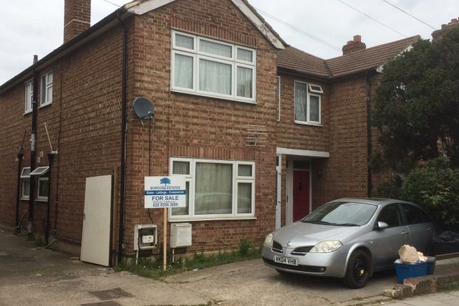 Thumbnail Flat for sale in Eton Road, Ilford