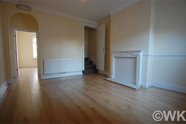 3 bed terraced house to rent in Stoney Lane, West Bromwich, West Midlands