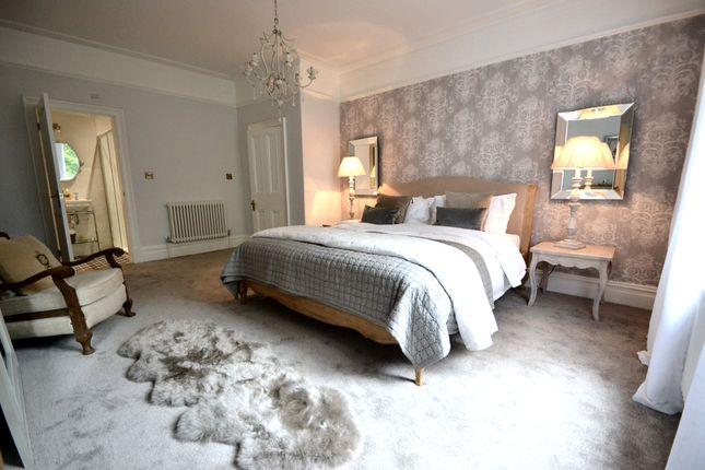 Master Bedroom (Reverse)