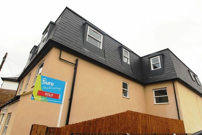 Thumbnail Flat for sale in Alexandra Road, Hemel Hempstead