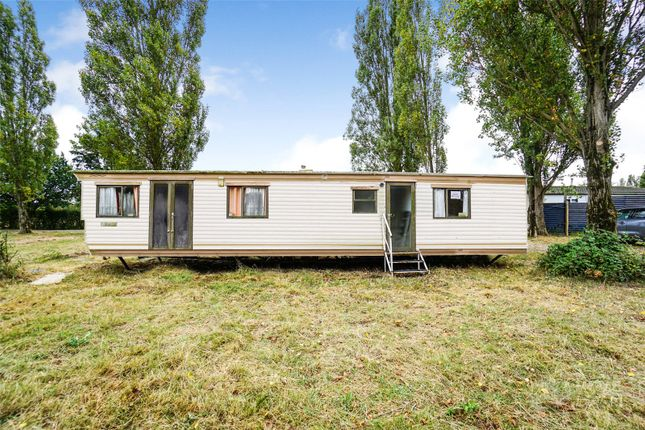 Picture No. 02 of Waterside Holiday Park, Main Road, St Lawrence, Southminster CM0
