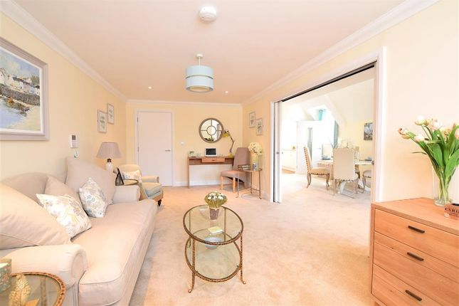 2 bedroom flat for sale in Bolnore Road, Haywards Heath, West Sussex