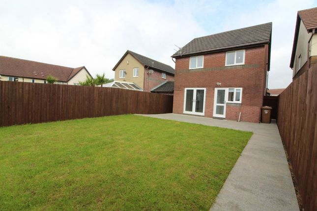 Thumbnail Detached house for sale in Clos Coed Duon, Highfields, Blackwood