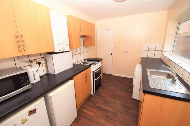 2 bed property to rent in Warwick Street, Heaton, Newcastle Upon Tyne NE6