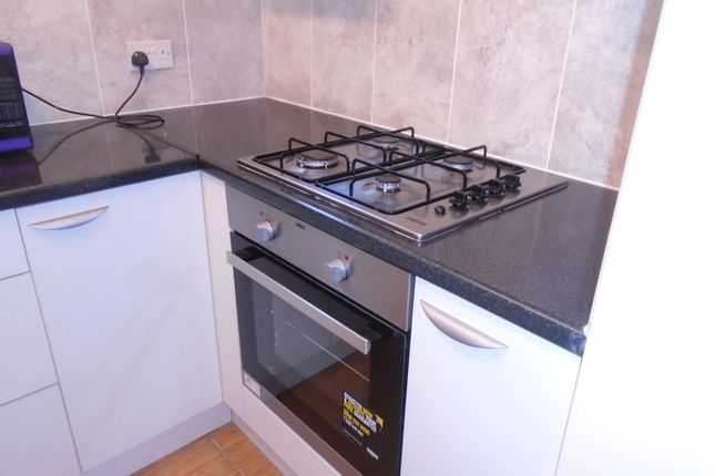 Thumbnail Shared accommodation to rent in Chapel Road, Worthing