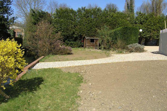 4 Fernbrook - Communal Gardens