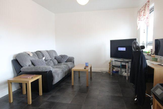 Living Room of Shearer Close, Havant, Hampshire PO9