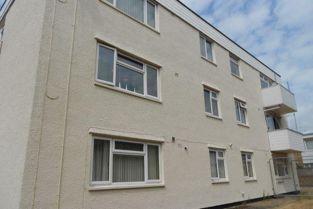 Thumbnail Flat to rent in Pwll-Y-Waun, Porthcawl