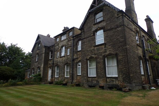 Thumbnail Flat to rent in Linden Road, Halifax