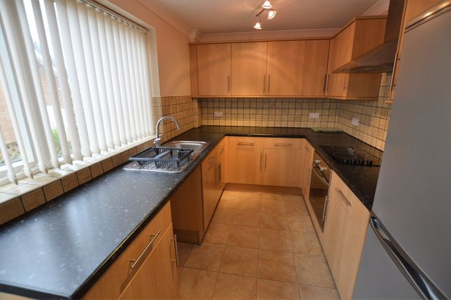 Thumbnail Detached bungalow to rent in Runswick Avenue, Acomb, York