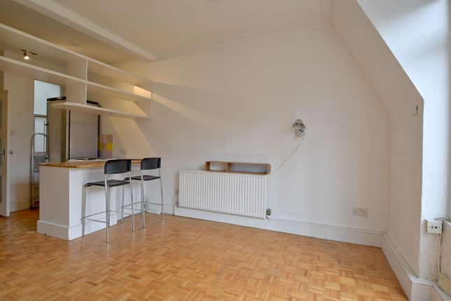 Thumbnail Flat for sale in Lissenden Mansions, Parliament Hill, London