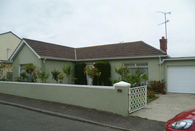 Thumbnail Detached bungalow to rent in Victoria Road, St Helier