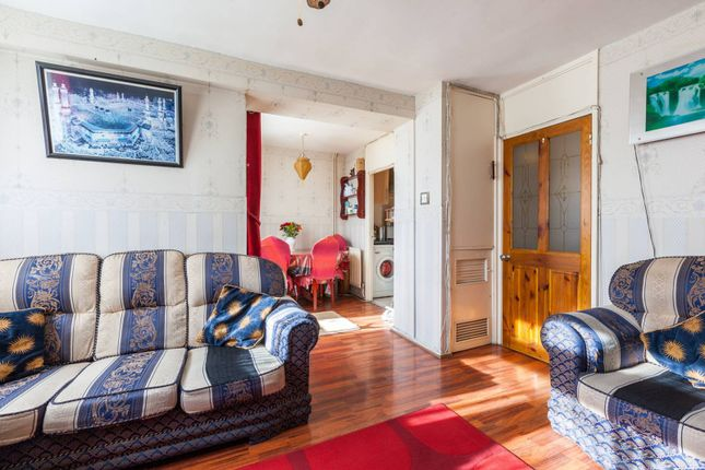 Thumbnail Flat for sale in Hackney Road, Bethnal Green, London