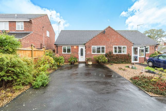 2 bed semi-detached bungalow for sale in Warndon Green, Warndon, Worcester