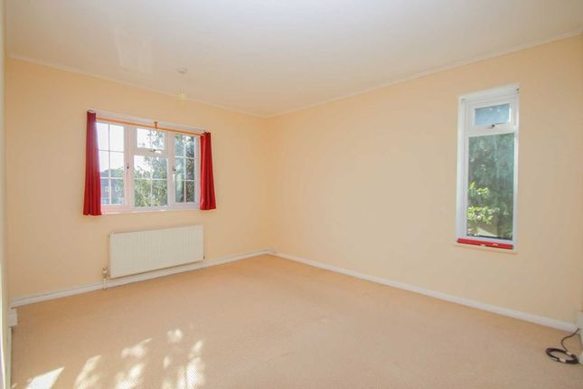 Photo5 of The Roundway, Claygate, Esher KT10