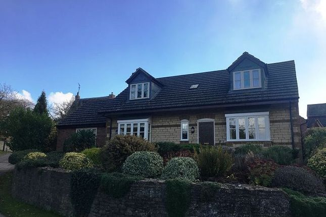 3 bed property for sale in The Cross, Great Houghton, Northampton