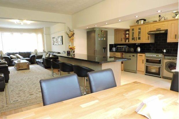 Thumbnail Property to rent in Glan Yr Afon Gardens, Sketty, Swansea