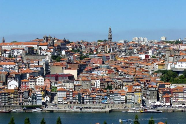 Thumbnail Hotel/guest house for sale in P440, Hotel In The Center Of Porto, Portugal