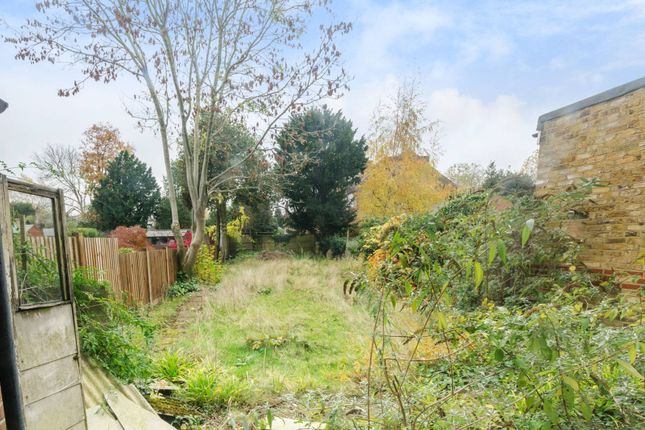 Thumbnail Property for sale in Fox Lane, Palmers Green