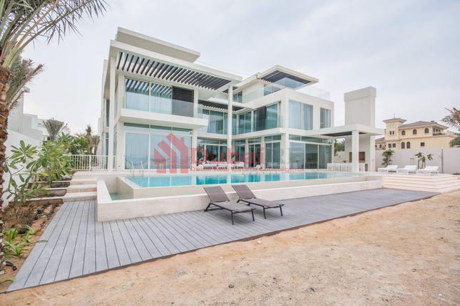 Thumbnail Villa for sale in Frond M, Palm Jumeirah, Dubai, United Arab Emirates
