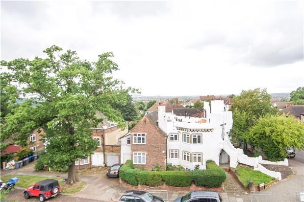 2 bed flat for sale in Rochester Court, Kingsbury