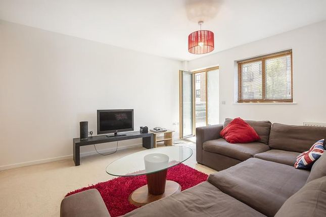 Thumbnail Flat to rent in Queen Mary'S House, Putney
