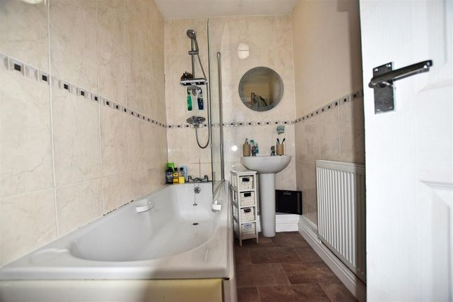 Bathroom Edit of Moorhouse Road, Hull HU5