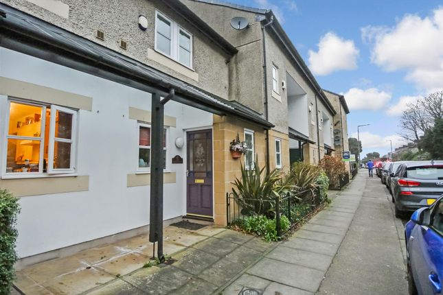 Thumbnail Terraced house to rent in Chiltern Court, Lancaster