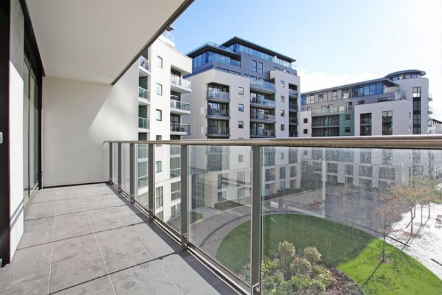 Thumbnail Flat for sale in Pump House Crescent, Brentford