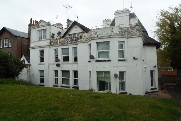 Thumbnail Flat to rent in Walmer Castle Road, Walmer, Deal