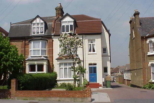 Thumbnail Maisonette to rent in Enmore Road, London