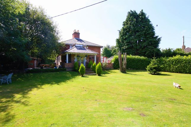 4 bed detached house for sale in Frankton Road, Bourton, Rugby