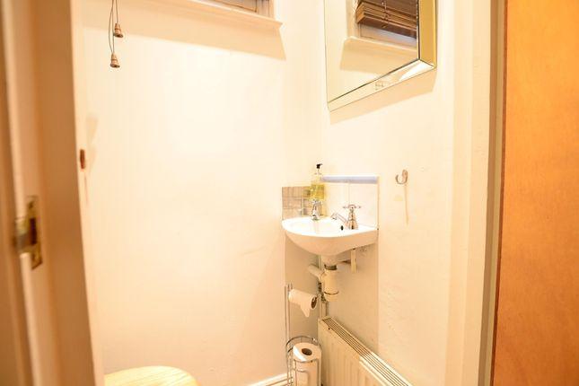 Cloakroom of Flat Grove Hill Road, Tunbridge Wells, Kent TN1