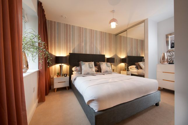 Thumbnail 2 bed flat for sale in 166 Elm Quay, Endle Street, Southampton