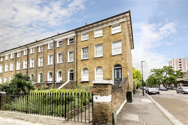 4 bed property for sale in Lansdowne Way, London