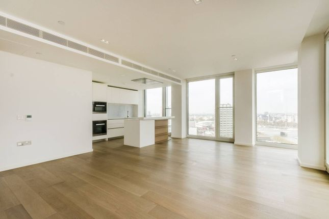 Thumbnail Flat to rent in South Bank Tower, South Bank