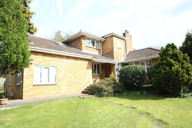 Thumbnail Detached house for sale in Outlands Lane, Curdridge, Southampton