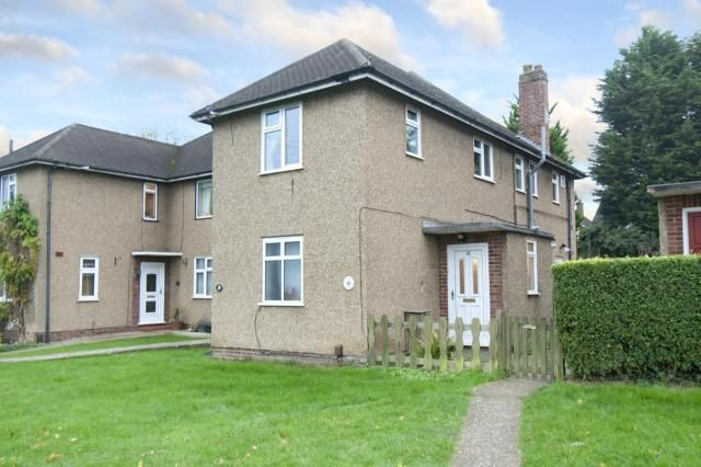 Thumbnail Maisonette for sale in Stanmore, Middlesex