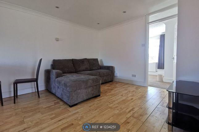 Thumbnail Maisonette to rent in Rothwell Walk, Caversham, Reading