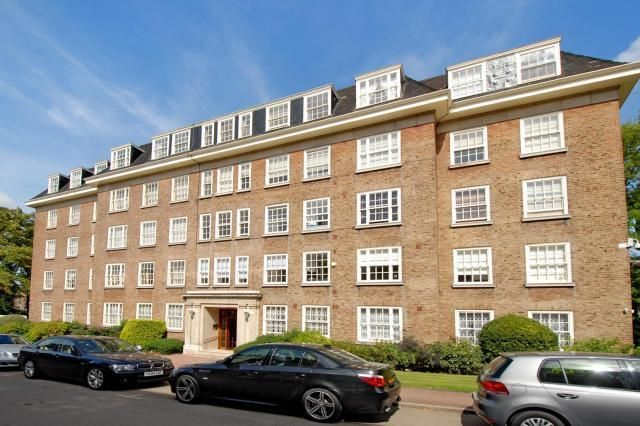Thumbnail Flat for sale in Avenue Close, St John's Wood