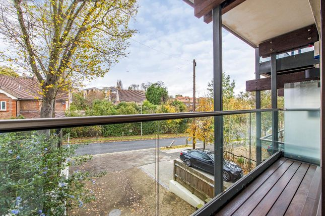Thumbnail Town house for sale in Queensmere Road, London