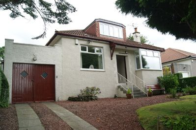 Thumbnail Detached house to rent in First Avenue, Bearsden