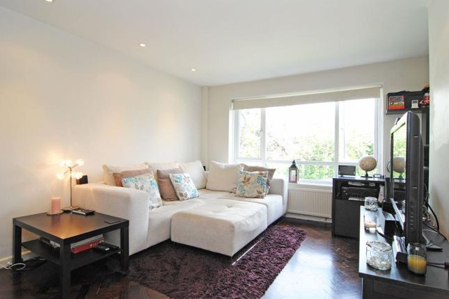 Thumbnail Flat to rent in Melvin Court, High Park Avenue, Kew