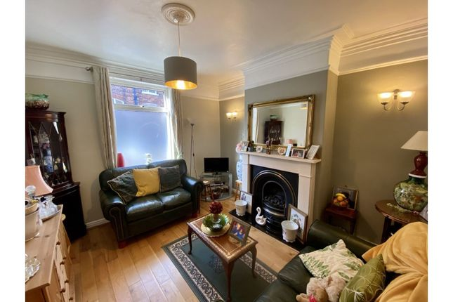 2 bed terraced house to rent in St. Pauls Terrace, York YO24