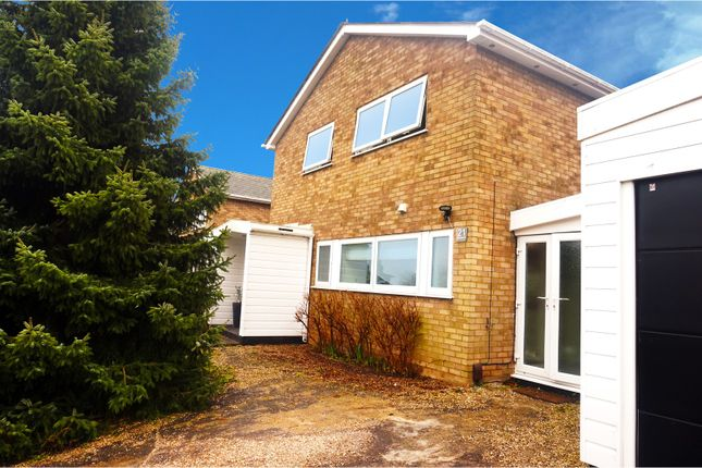Thumbnail Link-detached house for sale in Gaynesford, Basildon
