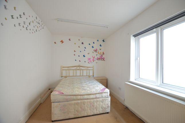 Room to rent in Pasture Road, Wembley