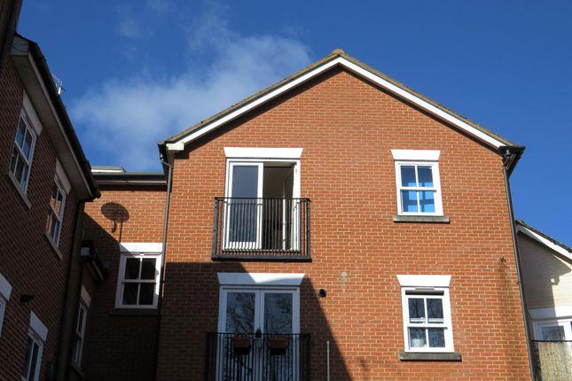 Thumbnail Flat for sale in Riverside Place, Fordingbridge