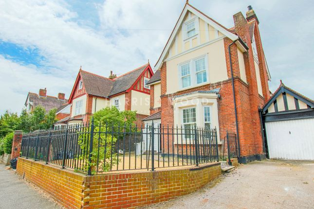 Thumbnail Detached house to rent in New Town Road, Colchester