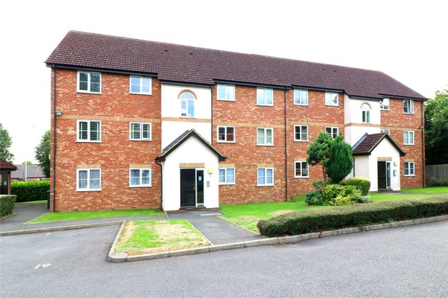 Thumbnail Flat for sale in Harlech Road, Abbots Langley