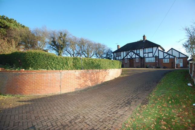 4 bed detached house to rent in High Road, Orsett, Grays